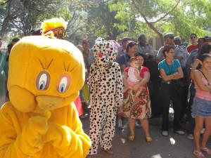 Carnavaleando street theater troupe