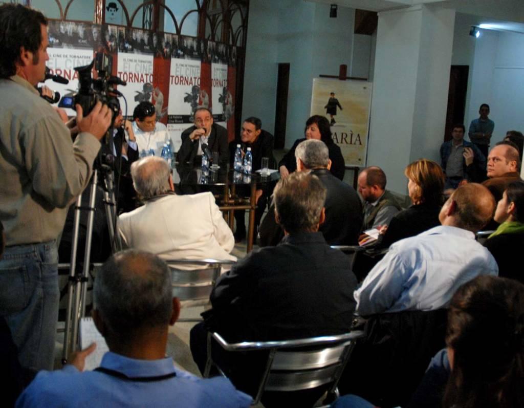 Giuseppe Tornatore at a Havana press conference.