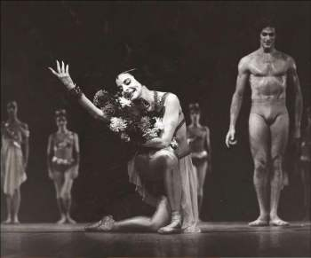 Alicia Alonso with the great dancer Jorge Esquivel