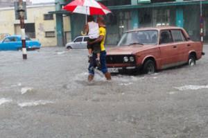 Heavy rains caused some flooding in Havana last week.  Photo: Juan Suarez