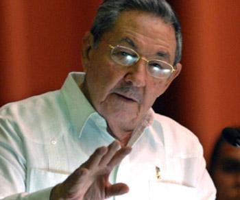 Raúl Castro con el parlamento cubano. Foto: Cubadebate.cu