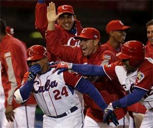 Frederich Cepeda drove in the game-winning run with a bases loaded single.