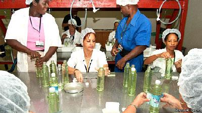 Cuban factory (Photo: Raquel Pérez)