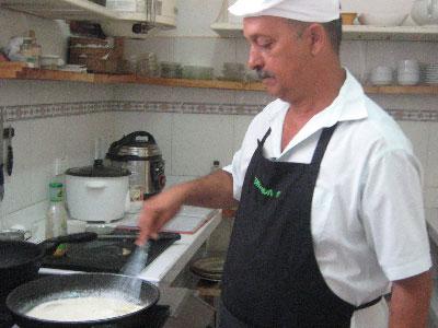 Cook Oscar Leal