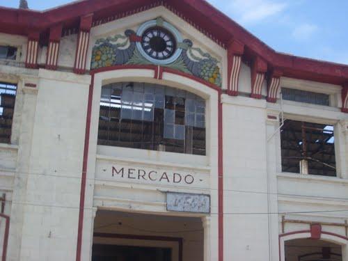 The Cuatro Caminos market in Havana.  Photo: en.wikigogo.org