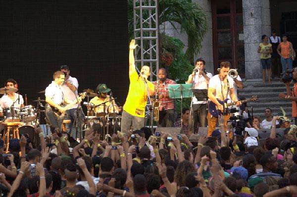 Buena Fe in concert in La Vibora, Havana