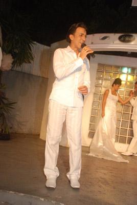 Ruben as a presenter at the La Maison, Santiago de Cuba.