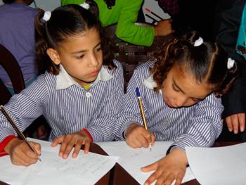 Kids in school in Gaza.  Foto: Julie Webb Pullman