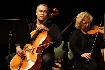Borenstein's piece being played in Havana.