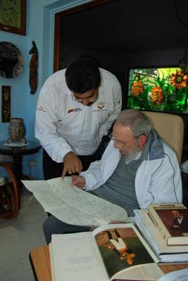 Nicolas Maduro and Fidel Castro on Saturday December 21, 2013.  Photo: cubadebate.cu
