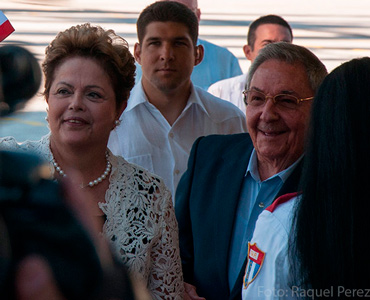 Dilma Rousseff and Raul Castro opened Cuba's biggest project, possible thanks to an 800 million dollar loan from Brazil.
