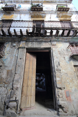 Aguiar St. in Old Havana.  Photo:  Juan Suarez.