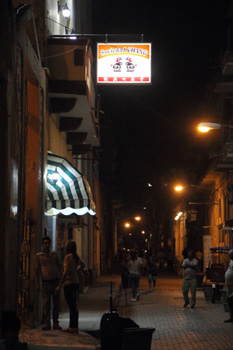 Havana Chinatown.  Photo: Juan Suarez
