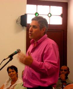 Arturo Lopez Levy