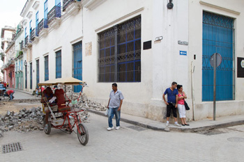 Calle Sol, Havana.  Photo: Juan  Suárez