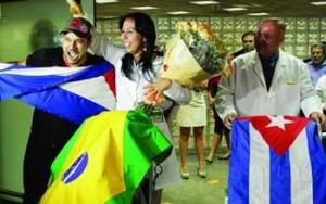 Group of Cuban doctors arriving in Brazil.