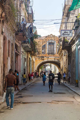 Calle Acosta, Havana.  Foto: Juan Suárez