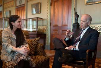 Yoani Sanchez with US Vice-president Biden.