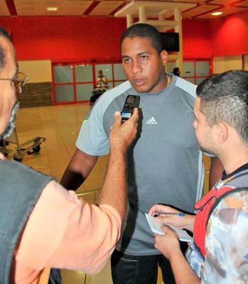 Alfredo Despaigne arriving Monday to Cuba.  Photo:: granma.cu