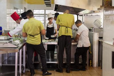 Cooks and waiters.  Photo: Juan Suarez