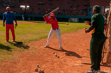 Only a few years ago, Cuban baseball players could not even dream of playing in professional leagues with Cuba's authorization.