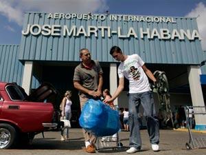 Miami passenger arrivals to the Jose Martí International Airport of Havana.