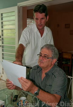 2.Rafael shows us all of the letters written to the Ministry of Public Health.