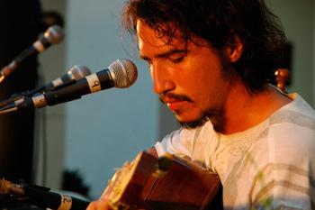 Oscar Sanchez.  Photo: eltaburete.wordpress.com