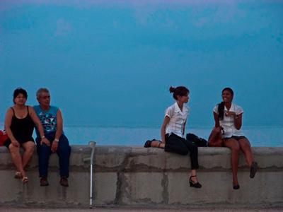 "The Havana ""Malecon"" Seawall.  Foto Ernesto González"