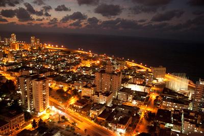 Cuba by night.  Photo: Ghyslaine Peigné