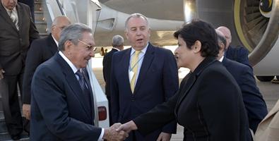 Raul Castro arriving Saturday in Montevideo, Uruguay  Photo: Estudios Revolucion.