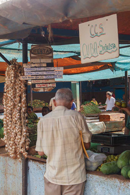 Market stall.  Photo: Juan Suarez