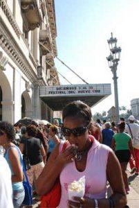 Outside the Payret cinema.  Photo: Caridad