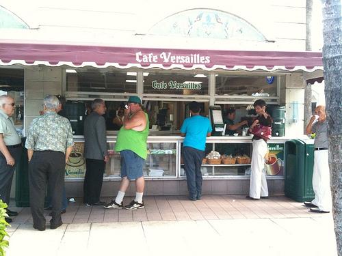 Cafe Versailles en Miami.  Photo: flickr.com
