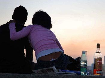 Alcohol romance.  Photo: Caridad