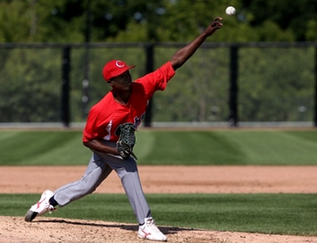 Liván Moinelo pitched 4.2 innings without allowing a hit to get the win.