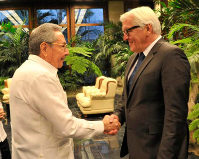 Raul Castro and German Foreign Minister Frank-Walter Steinmeier.