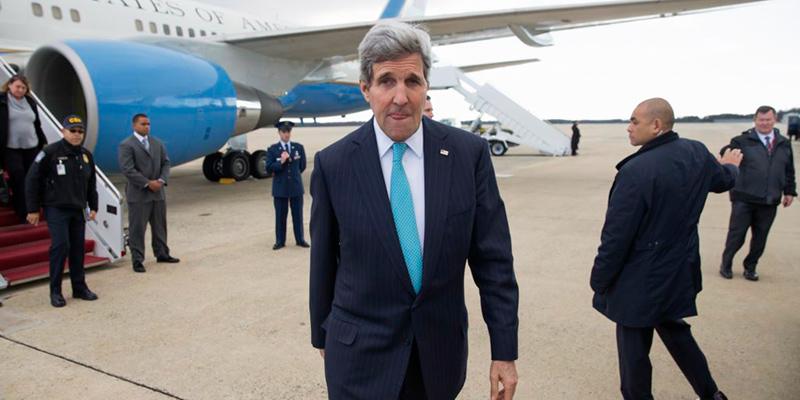 John-Kerry arrives in havana