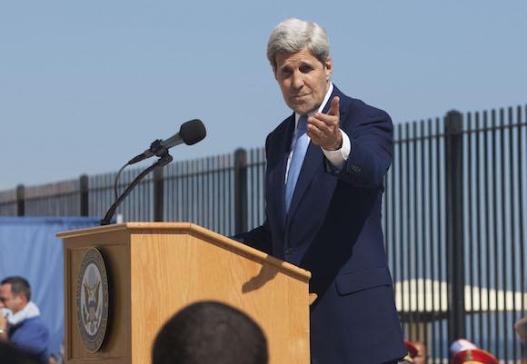 John Kerry speaking at the US Embassy in Havana on Friday morning.  Photo: Ismael Francisco/cubadebate.cu