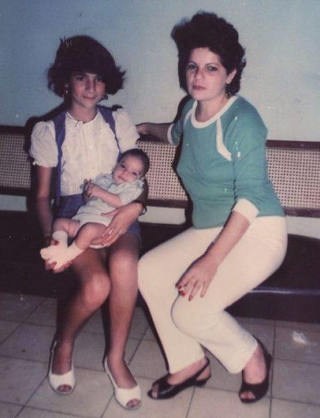 Xiomara with her children.