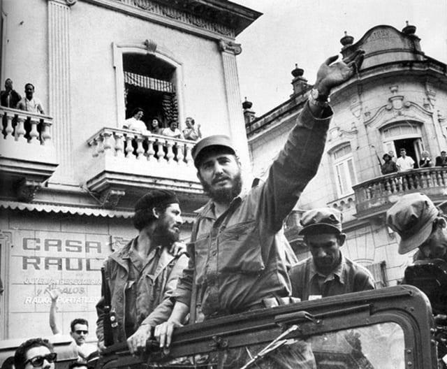 Castro entering havana just over a week after Batista fled the island. Photo: petermoruzzi.com