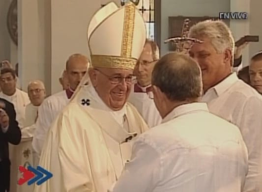 Pope Francis with Cuban President Raul Castro. Observing is VP Miguel Diaz Canel.