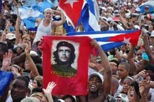 Young Cubans during a rally in remembrance of Che Guevara. Photo: Kaloian Santos Cabrera