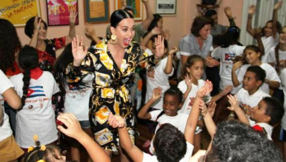 Katy Perry with the La Colmenita Theater Company in Havana.