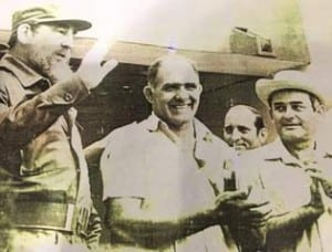Reinaldo Peguero Pernas (center), flanked by Fidel Castro and Fidel Ramos, First Secretary of the Communist Party (Pinar del Rio), during a function at the end of the 1980s.