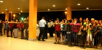 Havana Airport.  Waiting for friends and relatives.  Photo: Caridad