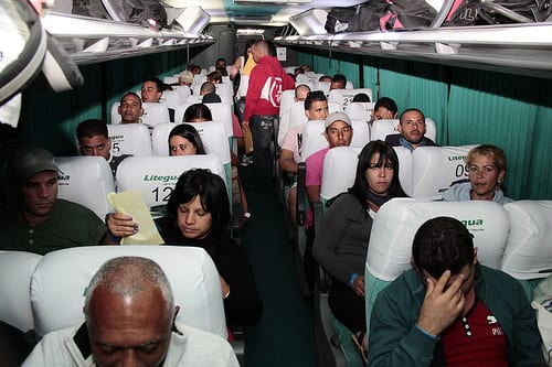 The first group of 180 cubans aboard their flight to El Salvador. Photo: Salvadoran Foreign Ministry