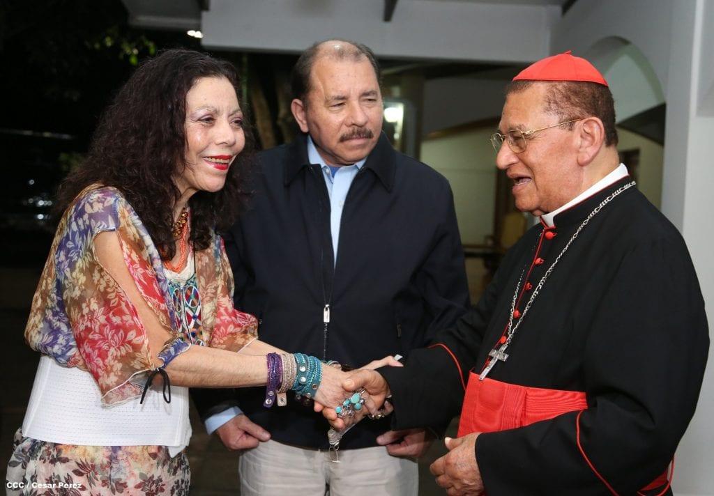 Rosario Murillo, primera dama y portavox de gobierno, Daniel Ortega y Miguel Obando y Bravo. Photo: 19digital.com