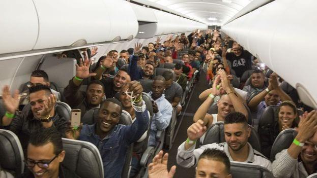 Cubans leaving Costa Rica. Photo: the Costa Rican Presidency.