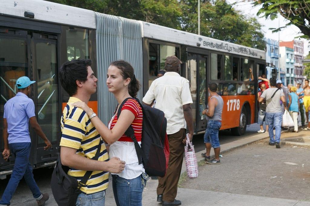 Amantes en la parada